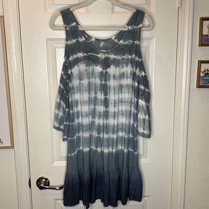Woman's umgee cold shoulder tie dye dress large